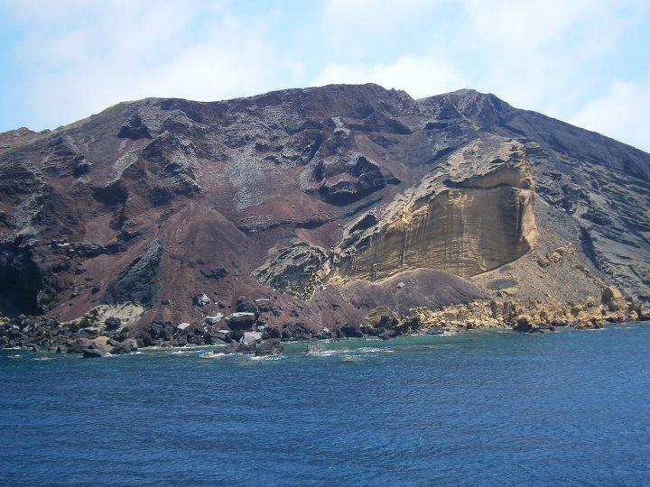 isola di linosa vista dal mare